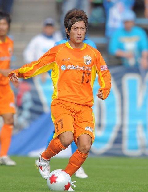 遠山院長プロサッカー選手時代01